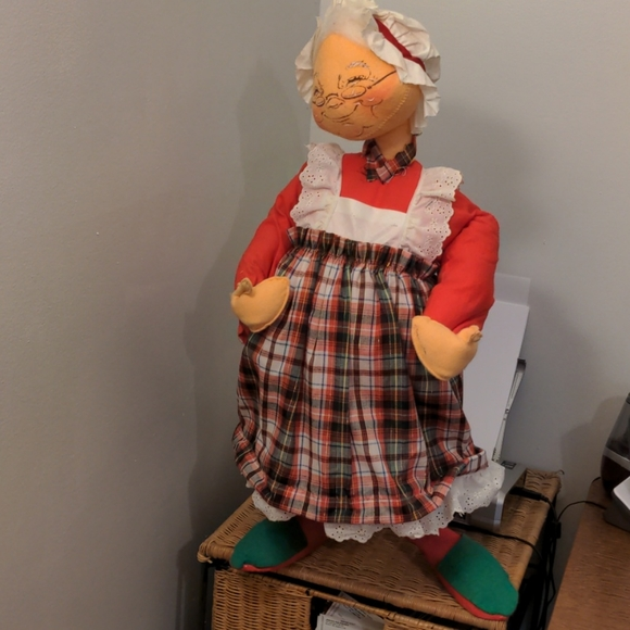 """Extra Large Annalee Display Doll Mrs Claus 29"""""""